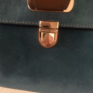 Michael Kors Bags - New with tags!!!! Michael Kors Romy large messengr